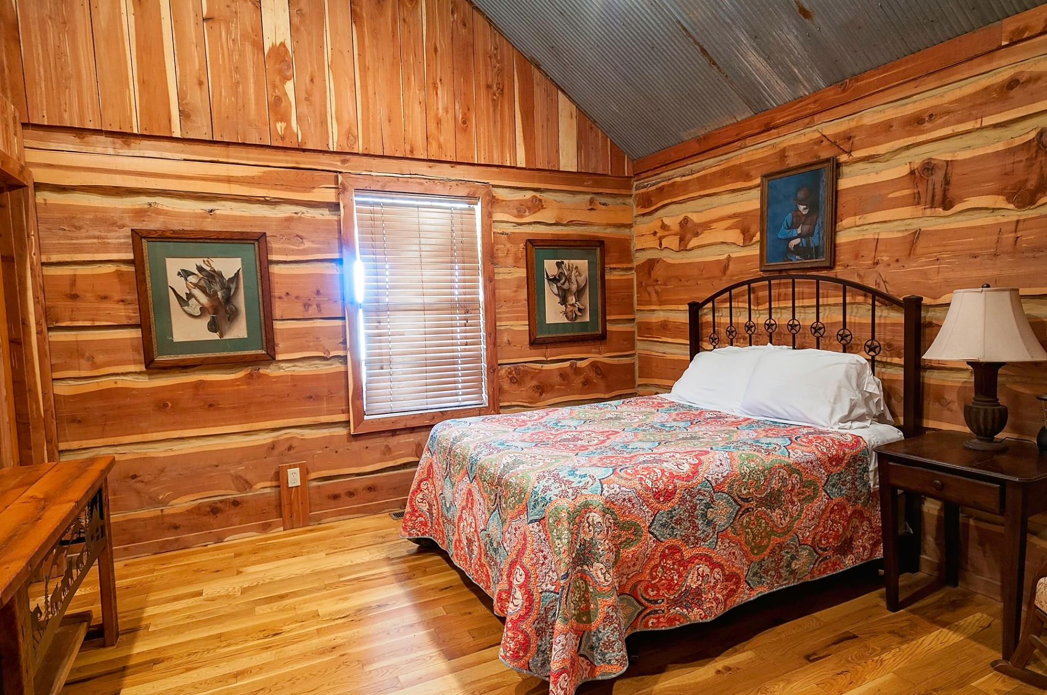 Relax in rustic luxury after lots of outdoor recreation.  You can fish, hunt, go four-wheeling, hike and explore all day without leaving the PRIVACY of this 315 acre fenced lake rental.