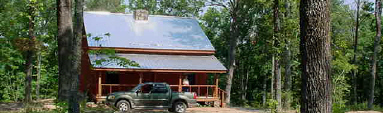 Buffalo River cabin vacation rental in outdoor recreation paradise for hunters, fishermen, and trail riders.