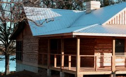 Fishermen, hunters, hikers, atv four-wheelers, mountain bikers, kids and grandparents all enjoy this lakeside mountain vacation cabin.